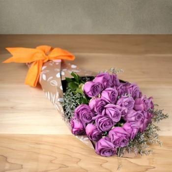 Ανθοδέσμη με 15 Φούξια Τριαντάφυλλα
